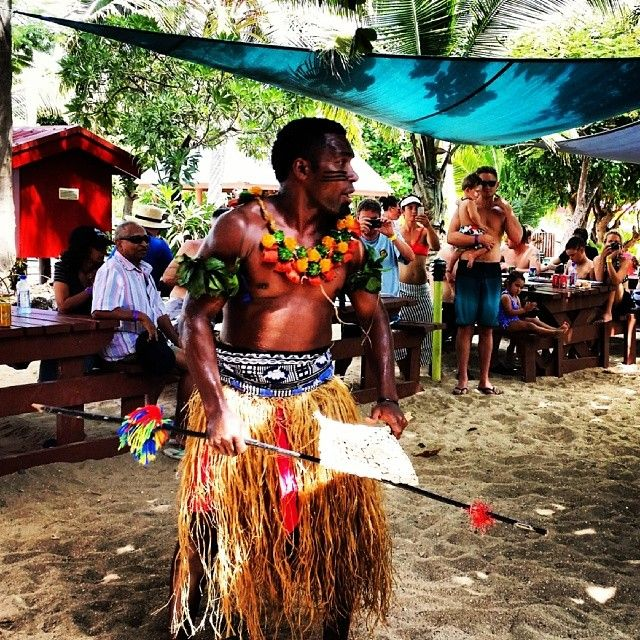 #meke #fiji #traditional #dance #travel #southsea #southseaisland #backpacking #backpacker #fijian #