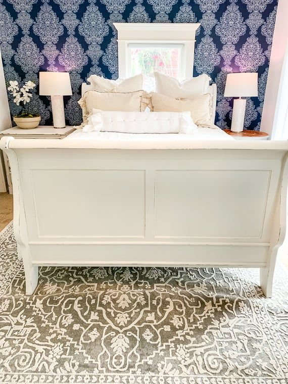 Sleigh Bed Frame\Art Deco\White Antique Queen Size Bed