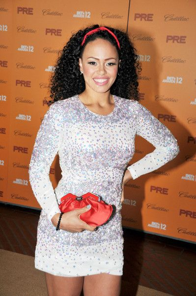Elle Varner, a classic beauty with a bubbly spirit, cute as can be..