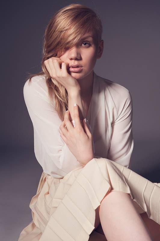 Photo: Marko Saari style:: Jenna Andelin muah:Amiira Kultalahti model: Iiris Juutilainen