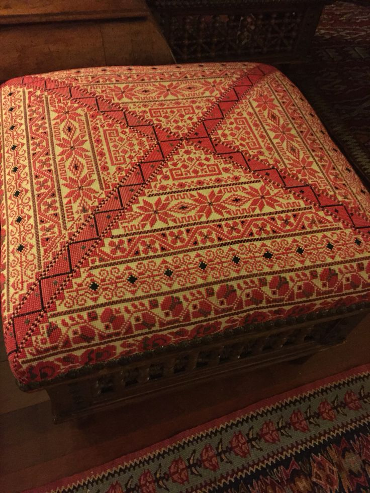 Beautiful 1970s seater with exquisite Palestinian embroidery, collection of N Mango