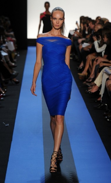 Monique Lhuillier - Bright blue off the shoulder