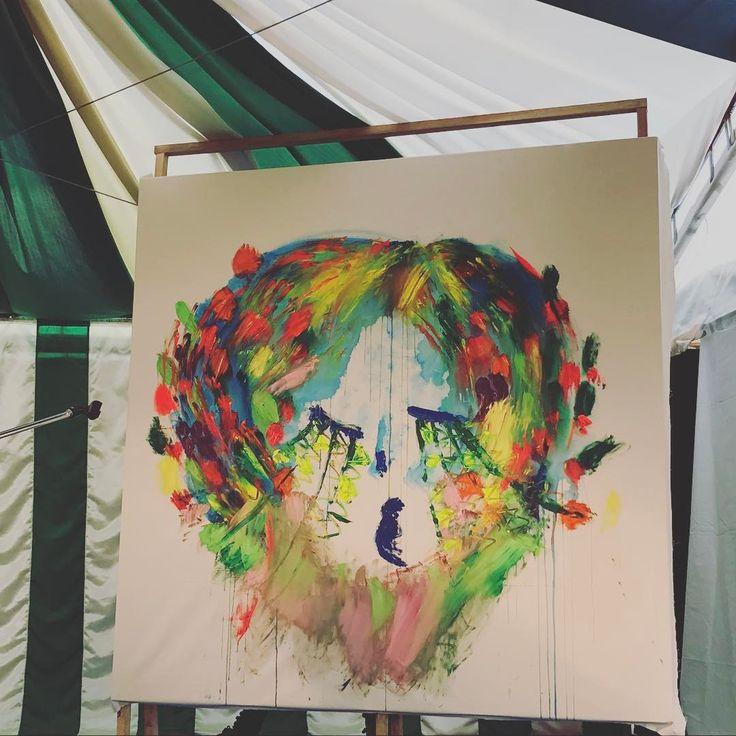 大好きなエリーさんの絵。音に合わせて色を重ねていくライブペイントは魔法みたいで素敵な時間でした。#アラバキ2017 #大宮エリー #ライブペイント #トークも最高