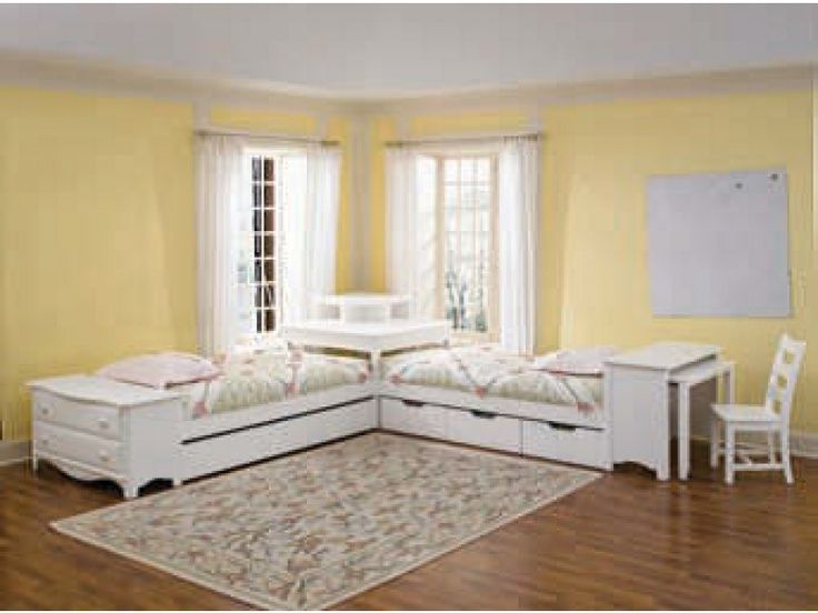 17 best ideas about corner twin beds on pinterest corner for Corner bed table