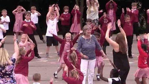 als afscheid voor je favoriete leerkracht - een flashmob!