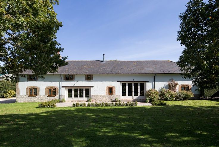 Just joined the portfolio, adults and children alike will delight in the acres of fields, woodland and even your own lake with an island at Lower Watercombe House, nestled in the middle of Warmwell Estate; 1,000 acres in a traditional Frome valley landscape two miles inland from the spectacular Purbeck coast. #New #Holiday #Cottage #Dorset #Woodland #Lake