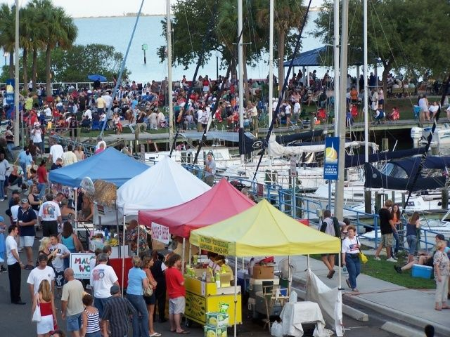 Downtown Farmers Market on the Bayfront