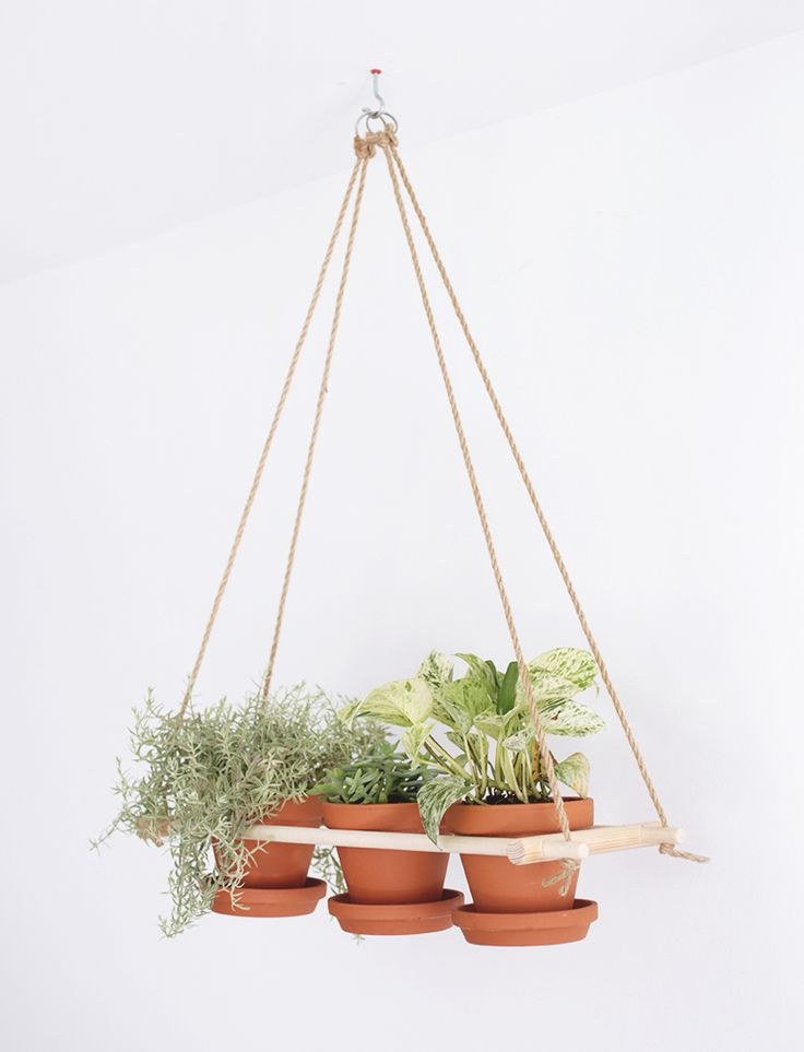 Home Free has teamed up with our friends at The Merrythought for this fun DIY that makes for a great weekend project. Enjoy!  Plants are a fun addition to any home and a great way to bring the outdoors in! Hanging planters are a good way to utilize