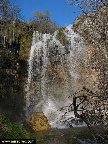 www.mirecreo.com Cascada del molino de la chorrera, Rio Júcar, Tragacete, Cuenca #catillalamanca #cuenca #tragacete #cascadas #waterfalls #españa #viajes #travels #holidays #vacaciones #mirecreo