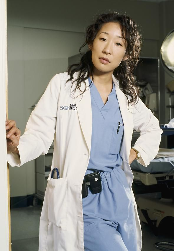 photo 9/28 - Sandra Oh - Grey'S Anatomy - Saison 1 - © Buena Vista Home Entertainment