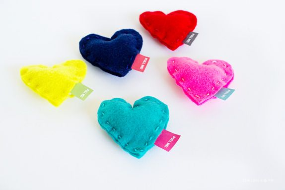 Valentines-Message-in-A-Heart-Finished2 ~ pull the tag for the message! Forget the bottle, I like these!