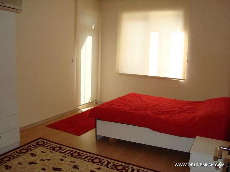 Antalya Konyaaltı'nda yüzme havuzlu apartmanda kiralık 2+1 eşyalı daire mobilyaları yeni temiz ve bakımlı ev