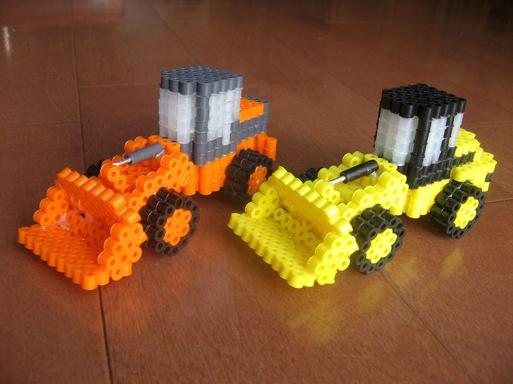 ホイールローダー2種 オレンジ:日立 イエロー:CAT