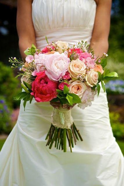 A beautiful wedding at Deep Cove Chalet, Vancouver Island Deanna McCollum Photography Platinum Floral Designs