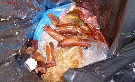 V jihlavském řeznictví našli veterináři zkažené maso i škvarky na zemi