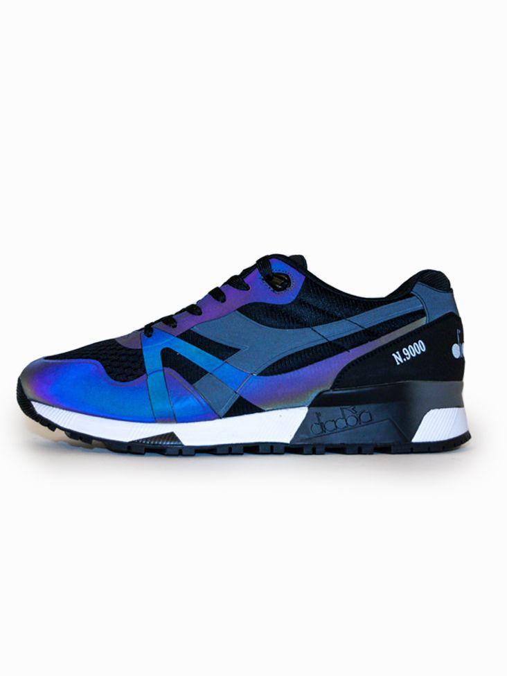 Scopri Sneakers basse N9000 Mm Hologram Diadora. Approfitta delle migliori offerte Streetwear e Sneakers e Acquista Online su Moveshop.it!