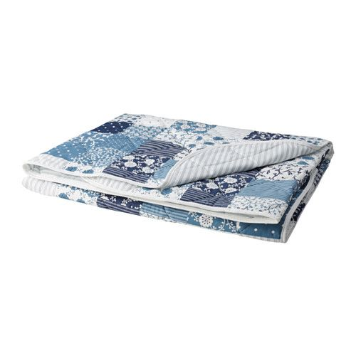 IKEA - АКСВЕРОНИКА, Покрывало, 220x240 см, , Мягкий материал с блеском, на ощупь как шелк.Упаковано в сумку; удобно перевозить и хранить.Двустороннее покрывало позволяет легко обновить интерьер спальни.