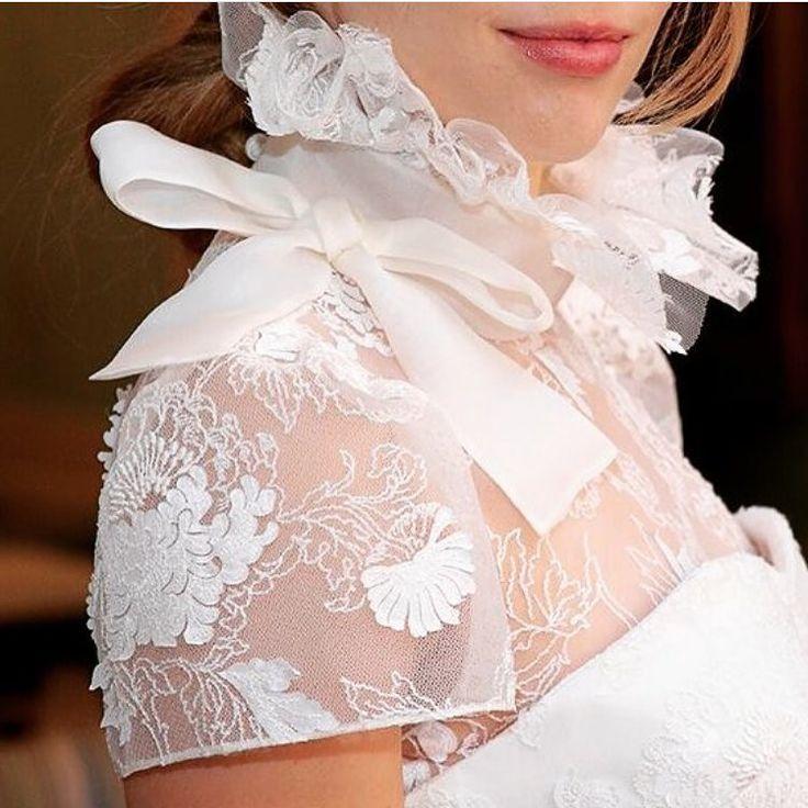 For the Classy but fashion forward bride - Bring back some old school fashion with a ruffled high neckline  Dress - Delphine Manivet . . #weddiglust #delphinemanivet #delphinemanivetbridal #bridetobe #weddinggown #weddingdress #bridalblogger #lace #feminine #bridalfashion #designer #bridalcouture #couture #designerwedding http://gelinshop.com/ipost/1524567455119601230/?code=BUoWgXehm5O
