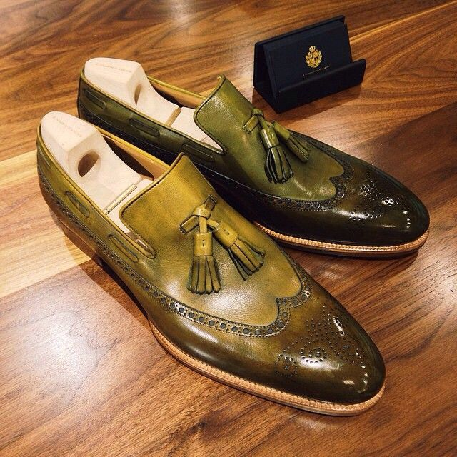 """mnswrmagazine: """" We're a bit in love with these green wingtip tassel loafers by @leatherfootinc. How about you?? """""""