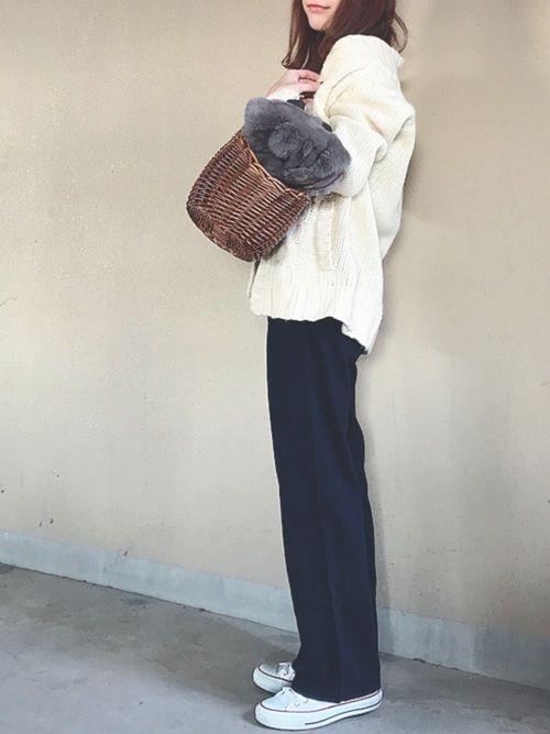 ざっくりカーデ→古着 中のキャミ→UNIQLO 昨日は昼は辛麺 夜はキムチ鍋🔥 お腹ゆるくなりま