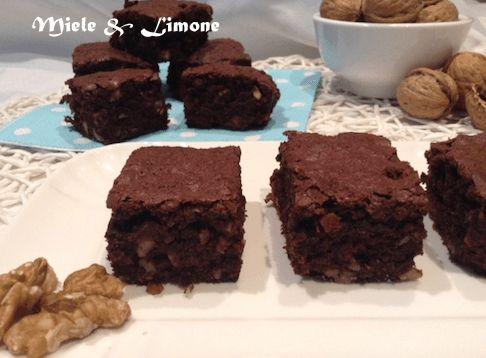Brownies cacao e noci - ricetta originale senza lievito