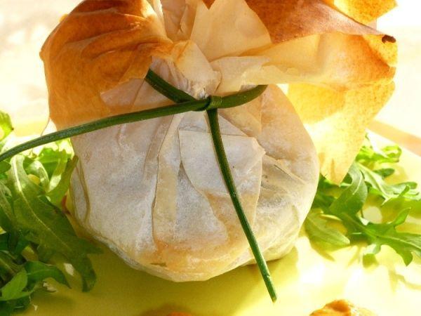 Aumônières de crevettes sauce au corail : http://www.ptitchef.com/recettes/entree/aumonieres-de-crevettes-sauce-corail-fid-1371122