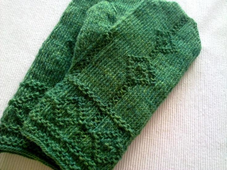 Twined knitting  http://drutoterapia.blogspot.se/2011/08/kolejne-rekawice.html#