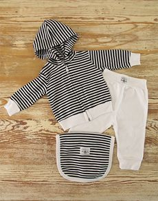 New Baby Gifts: Stripy Baby Outfit!