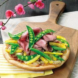 ローストビーフと野菜のピザ
