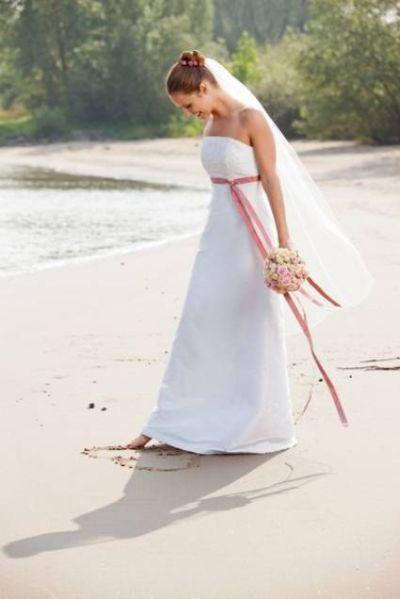 Brautkleider für kleine Frauen