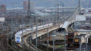 http://beeoskop.com/kebakaran-di-atas-kereta-peluru-shinkansen-diduga-upaya-bunuh-diri/