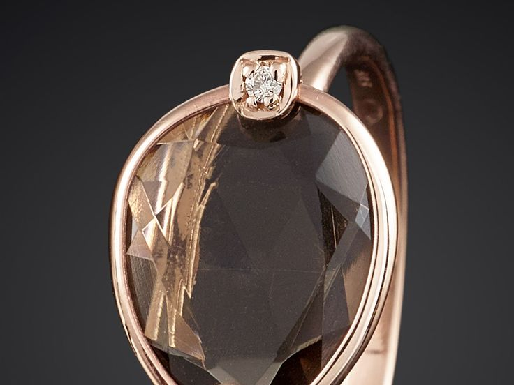 Ring roodgoud met rookkwarts en diamant