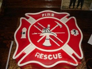Grooms Cake, I have lots of firemen friends, but also EMS & emergency doctors. This I'd like to do!