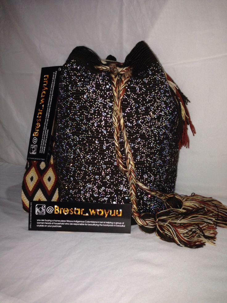 Hermosas Mochilas Wayuu de diseno EXCLUSIVO info +57 3115026491 WWW.BRESAR.COM