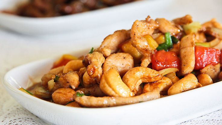 Thai Food Recipe .. You can do : Gai Pad Med Mamuang Himmapan (Stir-fried Chicken with Cashew Nuts)