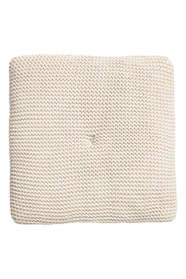 ❤️❤️❤️H&m Home x4 Galette de chaise: Coussin au point mousse sur le dessus. Dos en coton tissé. Garnissage polyester. Épaisseur 3 cm. X4