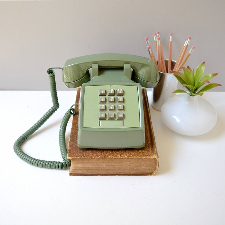 17 best ideas about telephone vintage on pinterest telephone retro meubles mid century and. Black Bedroom Furniture Sets. Home Design Ideas