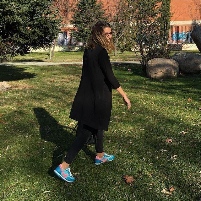 Felicidad!! #blueandblack #style #blogger #fashion #blueandblackstyle