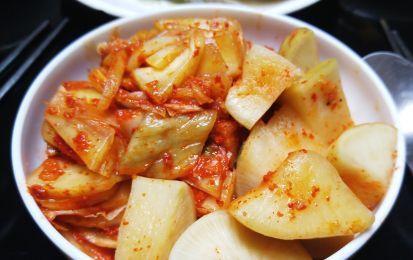 Verza e patate, le ricette più buone - Al forno, in pentola a pressione, in padella: le ricette dei primi e dei contorni a base di verze e patate non aspettano altro che di essere provate. Ottime in umido!