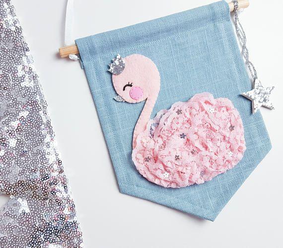 Banner mini de color rosa bebé cisne lino azul