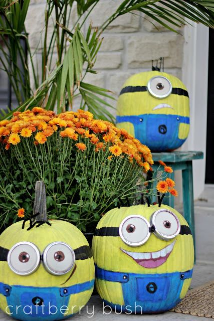Im soo doing this lol. Painted Pumpkins...Minions!