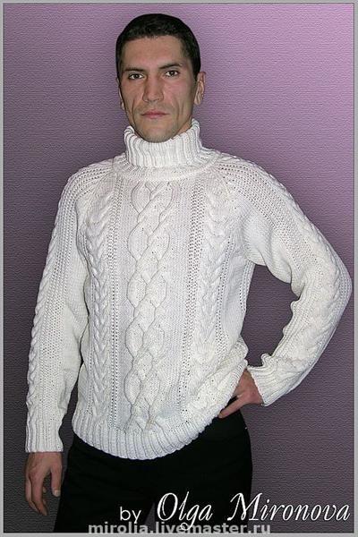 Фиолетовый свитер с горлом спицами