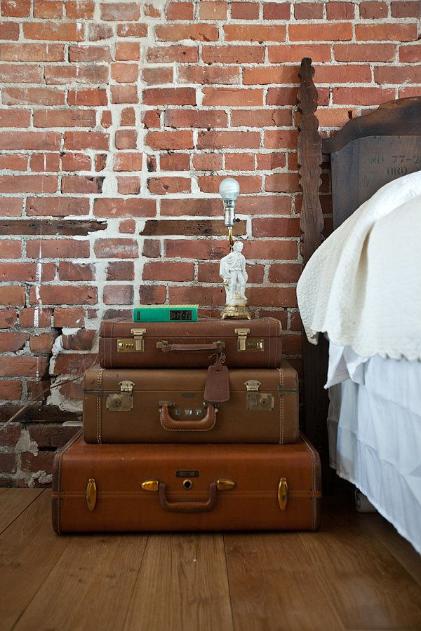 Vintage suitcases: Decor, Ideas, Vintage Suitcases, Brick Wall, Old Suitcases, Bedside Tables, Bedroom, Night Stand