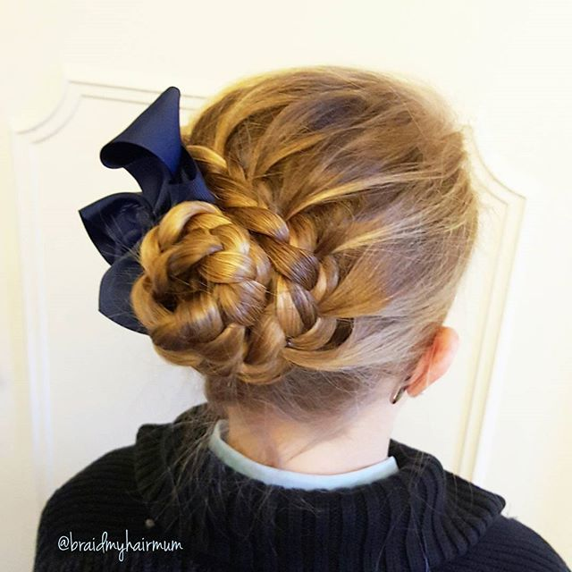 Another schoolday #braid #braids #hair #hairstyle #plaits #hairdo #wedding #promhair #weddinghair #blue #sweden #flette #flechten #tresse #cheveux #letti #hår #uppsatt #fläta#inspiration #inspo #волосы #hairbow #byengberg #puoliranskalainen