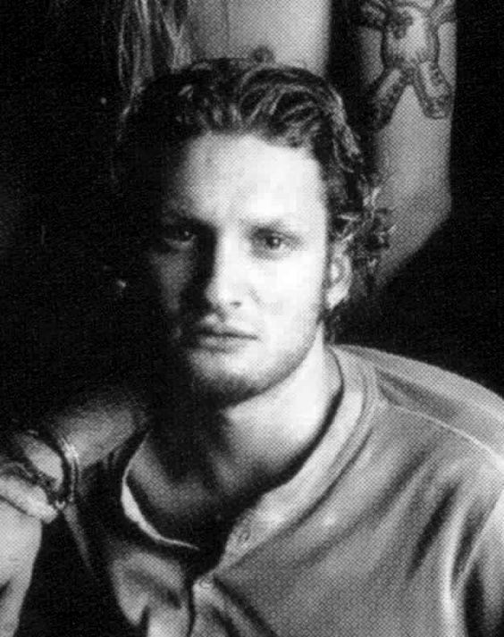 Layne Staley Wavy hair Goatee Black and white Photo shoot Jerry Cantrell behind