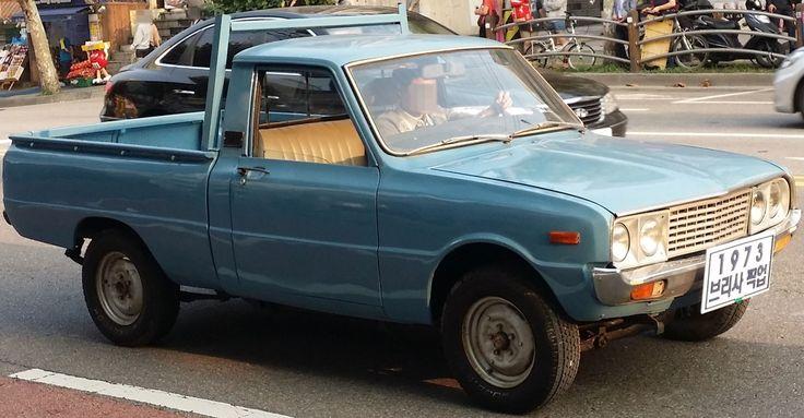 Kia Brisa B-1000 (based on Mazda Familia)
