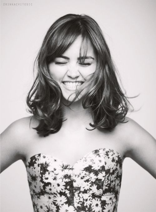 Jenna Coleman rocking it. Shoulder length, side-part...I could totally pull off this look.
