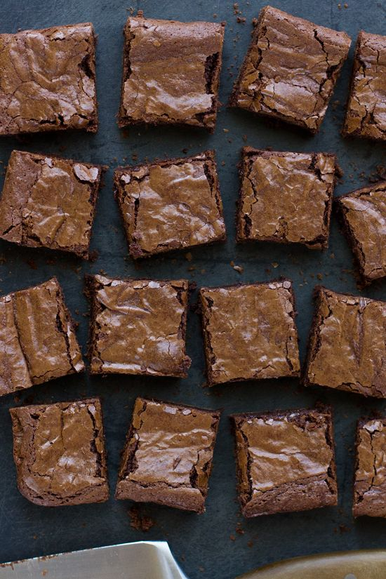 Looking for a gluten free brownie recipe? Look no further! These rich and fudgy flourless brownies are perfectly chewy, dense and intense! No strange ingredients required :)