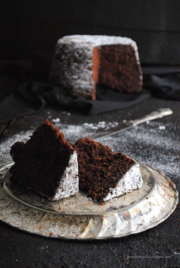 Era da un po' che non preparavo un dolce al cioccolato e cominciavo a sentirne la mancanza! Le torte al cioccolato penso che siano le...