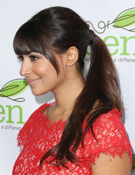 Hannah Simone Photos - Actress Hannah Simone attends the Verte Grades of Green's Annual Fundraising Event at the Bel-Air Bay Club on April 11, 2013 in Pacific Palisades, California. - Celebs at Verte Grades Fundraising Event